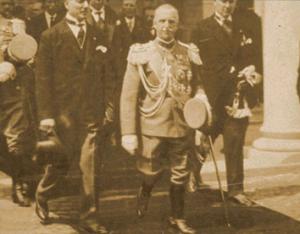 Re Vittorio Emanuele III in visita alle esposizioni del 1927