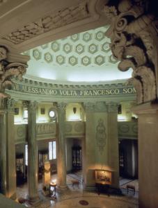 Tempio Voltiano: interno visto dalla balconata