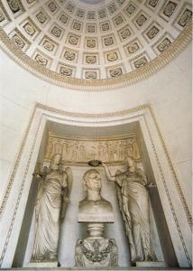 Interno della tomba di Alessandro Volta a Camnago