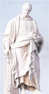 La statua dedicata ad Alessandro Volta nell'omonima piazza di Como
