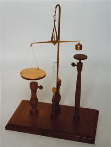 Elettrometro assoluto o bilancia elettrometrica