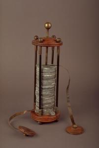 Pila a colonna con elettrodi (Tempio Voltiano)